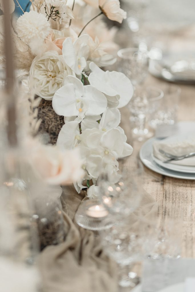 Modern wedding flower ideas